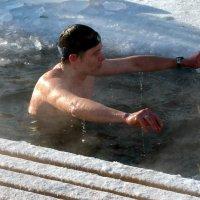 Медитация в ледяной купели :: Андрей Заломленков
