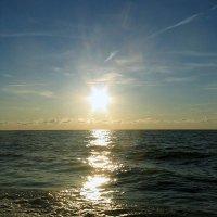 Утомлённое солнце нежно с морем прощалось... :: Elena N