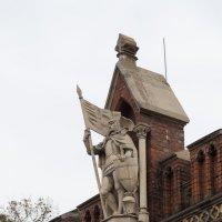 Рыцарь над вратами :: Светлана