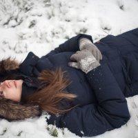 на снегу :: Витя Ярмолинский