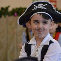 Добрый пират :: Валерий Лазарев