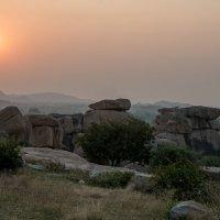 Закат солца в горах :: Виктор Куприянов
