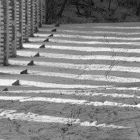 зима и солнце у акведука недалеко от ВДНХ :: Максим Должанский