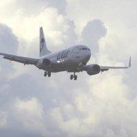 Боинг 737  на глиссаде. :: Alexey YakovLev