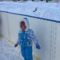 На катке. Снегурочка устала :: Андрей Лукьянов