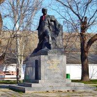 Памятник советского периода :: Виктор Шандыбин