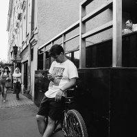 велосипед в городе :: Артемий Кошелев