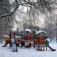 В детском игровом парке :: Ирья Раски