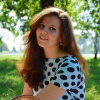 девушка на пикнике :: Ирина Кожемякина