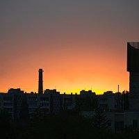 Урбанистический закат. :: Aлександр **