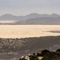 Панорама побережья с обзорной площадки городка Оз :: Witalij Loewin