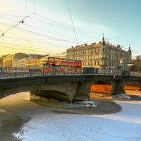 Красный автобус. :: Дмитрий Климов