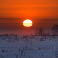 Морозный закат :: Павел Сухоребриков