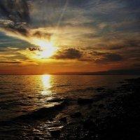 Закат у моря :: оксана косатенко