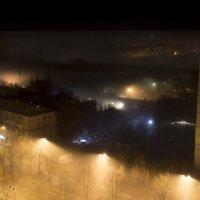 Стелится ночной туман :: Александр Анохов