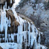 Чегемский водопад.Зима. :: Роман Небоян
