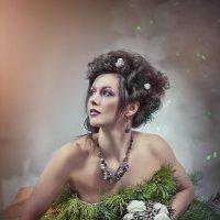 Фотопроект в платье из настоящей сосны :: Анастасия Бембак
