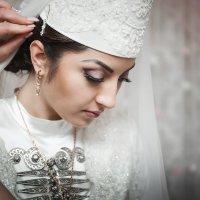 невеста в сборах :: Батик Табуев