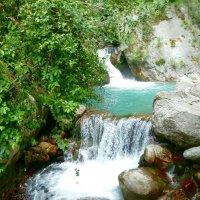 С высоких гор спускается река. :: Чария Зоя