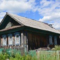 Домик в деревне. :: Виктор ЖИГУЛИН.