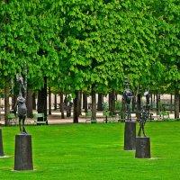 скульптуры сада Тюильри :: Александр Корчемный