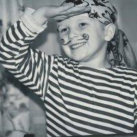 Добрый и весёлый пират.... :: Ирина Жеребятьева