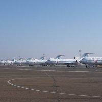 1 января 2009 года. Утро,все самолёты АЛК (Авиационные Линии Кубани)  пока ещё на базе.. :: Alexey YakovLev