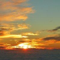 """"""" И пусть  мне позавидуют поэты,Когда я поднимаюсь над Землёй.."""" - песня В. Захарова.сл. М :: Alexey YakovLev"""