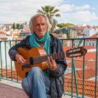 Португалия. Уличный музыкант. :: Владимир Леликов