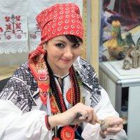 мастерица и красавица :: Олег Лукьянов