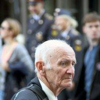 уважай старость это твоё будущее :: Олег Лукьянов