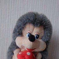 Ежик на маминой салфетке :: Елена Фалилеева-Диомидова