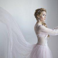 Взмах платья :: Евгения Лисина