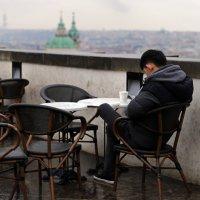 Стаканчик кофе в перерыве между дождями :: Татьяна [Sumtime]