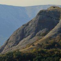 Северная Демерджи. Вид на гору Пахкал-Кая (Лысый Иван) и Четыр-Даг :: Юрий Цыплятников