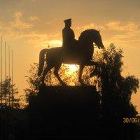 Маршал Жуков в закате :: Tatyana Kuchina