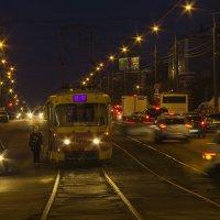 На город опускается вечер :: Владимир Максимов