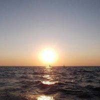 Закат на чёрном море :: Nata Grebennikova