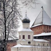 В новгородском кремле :: Евгений Никифоров