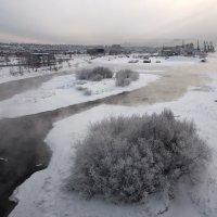 Зима стоит, не отступает... :: Александр Попов