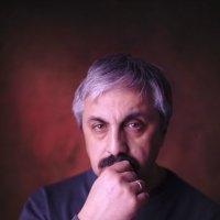 Автопортрет :: Арсен Гуварьян