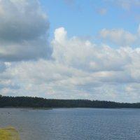 Небо над озером :: Мила