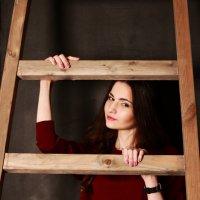 Ника за лестницей :: Виктория Бенедищук
