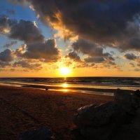 Средиземноморские закаты :: Евгений Дубинский