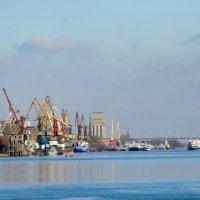 Порт в Ростове-на-Дону... :: Тамара (st.tamara)