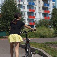 Девушка и велосипед :: Наталия Григорьева