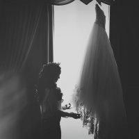 сборы невесты в отеле :: Батик Табуев
