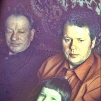 Два дедушки Васи - ветераны Великой Отечественной - и один внук Павлик. 1978 год :: Нина Корешкова