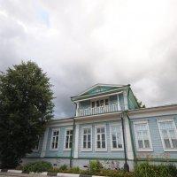 Старинный дом в городе Малый Китеж :: Сергей Тагиров