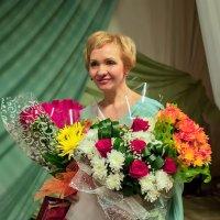Цветы благодарных зрителей :: Валентин Кузьмин